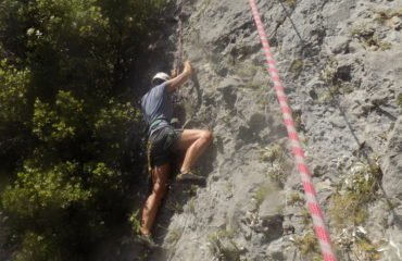 Comb-climbing-hiking (4)