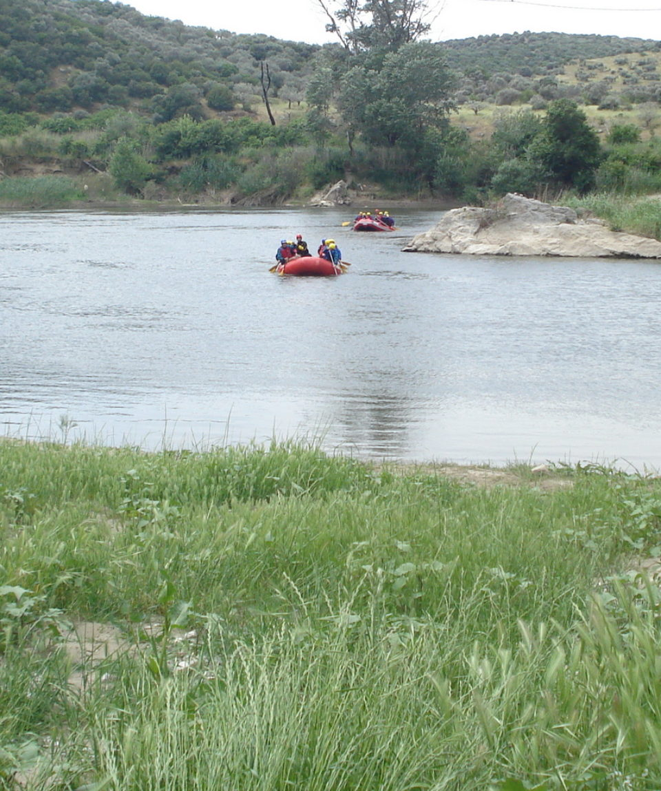 Comb-rafting-riverside-adventure (13)