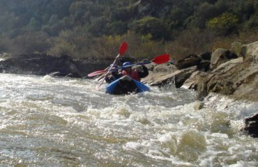 Inflatable-kayaking-monorafting (12)