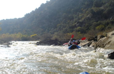 Inflatable-kayaking-monorafting (13)