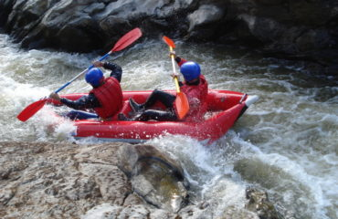 Inflatable-kayaking-monorafting (16)