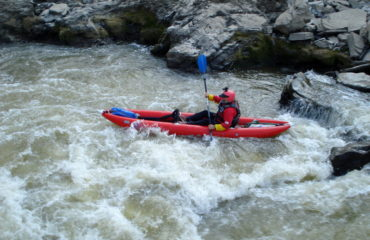 Inflatable-kayaking-monorafting (18)