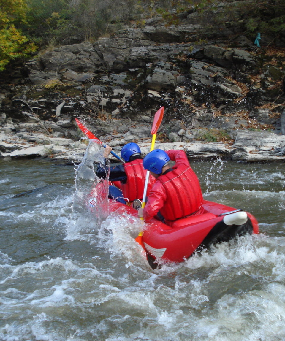 Inflatable-kayaking-monorafting (19)