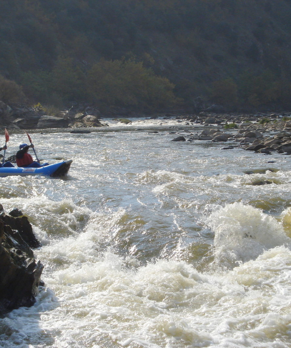 Inflatable-kayaking-monorafting (7)