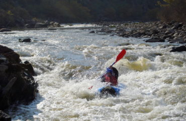Inflatable-kayaking-monorafting (9)