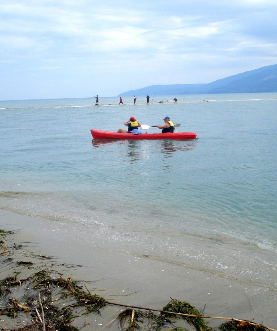 Canoeing (11)-001