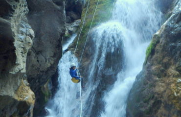 comb2-hiking-canyoning
