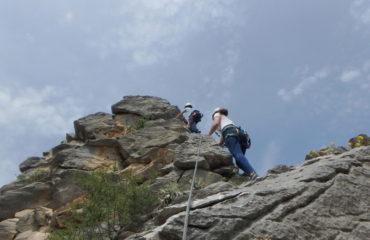 comb-viacordata-hiking